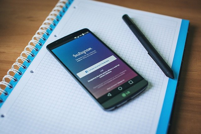 how to delete multiple photos on Instagram at once